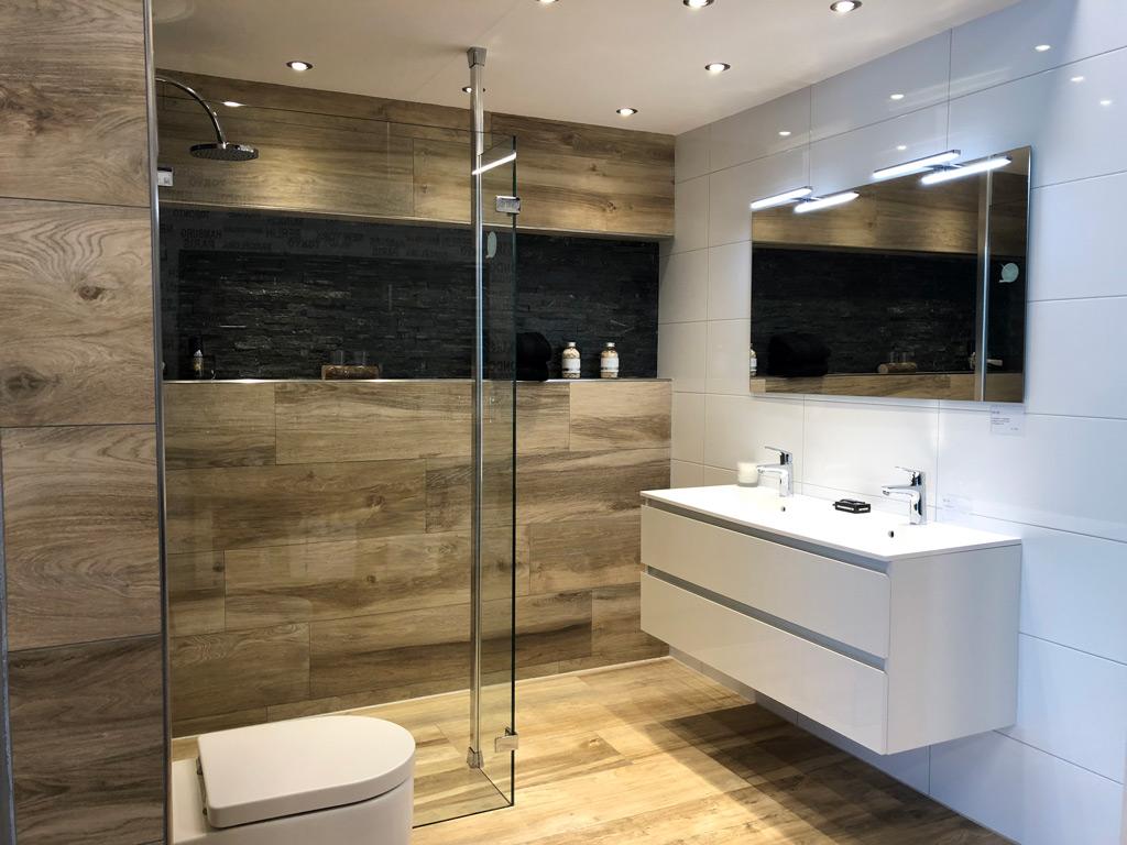 Multi Keukens Maassluis : Badkamer uitzoeken of laten verbouwen multi keuken bad